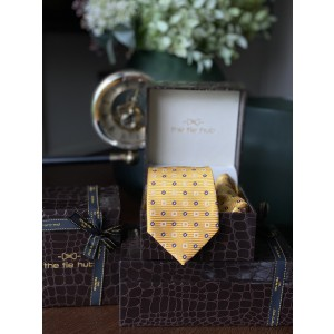 Yellow Self design Necktie and Pocket Square Combo