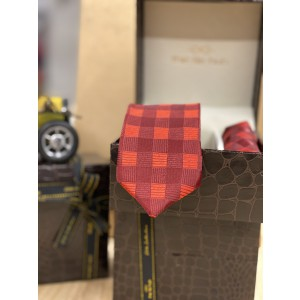Red and Maroon Checkered Necktie and Pocket square Combo