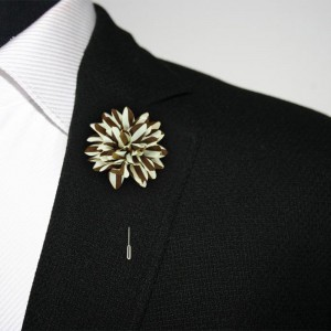 Aster Brown and Cream Lapel Pin