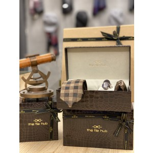 Brown Checkered Self design Necktie,Pocket Square and Cufflinks Combo