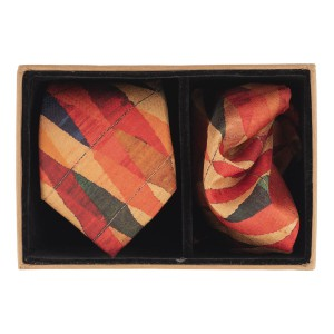 Multicolour Diamond Pattern 60% Silk 40% Khadi Necktie and Pocket Square Combo