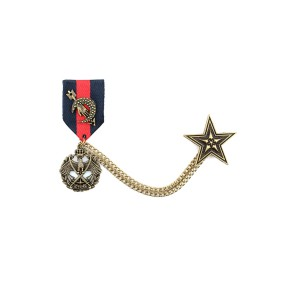 Chain Badge Blue and Red Metal Lapel Pin